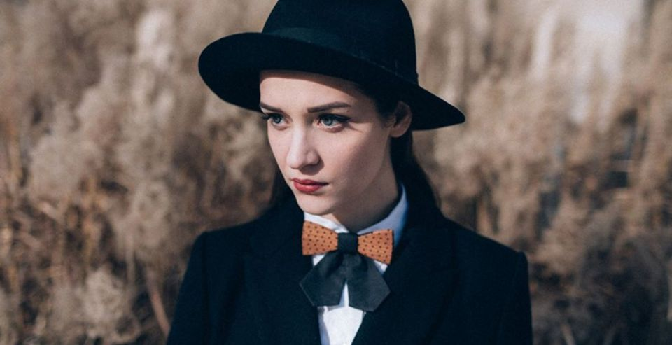 Wooden bow tie model Fora