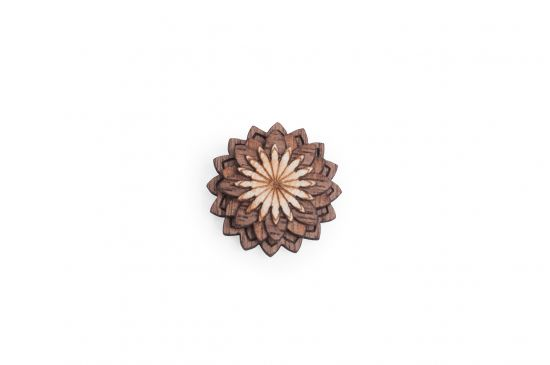 Lapel ornament Lynx Flower for men