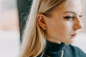 Virie Earrings Hexagon