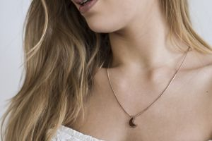 Rose Necklace Halfmoon